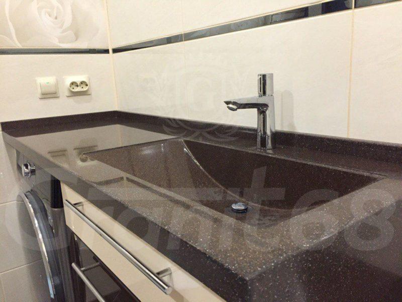 Столешница в ванную. Мойка. Плинтус. Декоративная боковая панель с переходом на ванну.